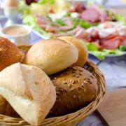 Großes Sonntagsfrühstück in Omas Küche